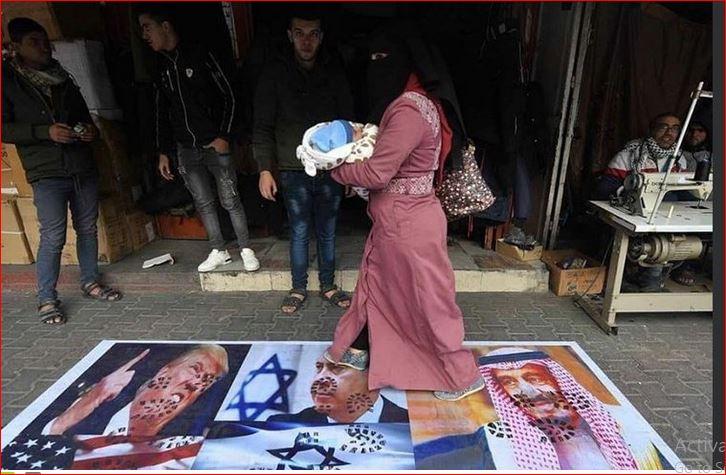 بالوثائق .. السعودية تدعو  اسرائيل لإحتلال القدس!