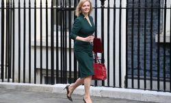 وزيرة خارجية بريطانيا الجديدة ضغطت لبيع أسلحة للرياض