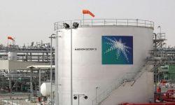 بلومبيرغ: السعودية تخفض إمدادات النفط إلى أوروبا وآسيا