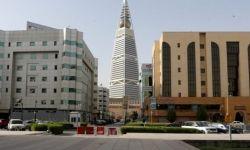 السعودية: صراخ وبكاء أرملة سعودية بعد تحطيم مصدر رزقها