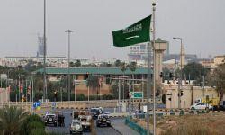 السعودية تشترط للقادمين الأجانب تأمينا صحيا يغطي الإصابة بكورونا