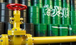 السعودية ترفع سعر نفطها لآسيا وتخفضه لأوروبا وأمريكا