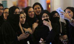 ألف امرأة سعودية يحاولن الهروب من المملكة سنوياً
