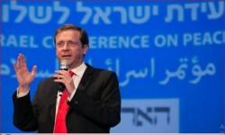 زعيم المعارضة الإسرائيلية يمتدح بن سلمان عبر الإعلام السعودي!