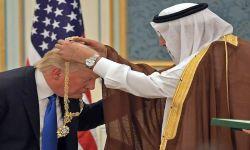 """""""نيويورك تايمز"""": السعودية منحت هدايا مزيفة لترامب"""