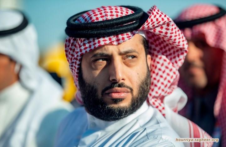 الإفراج عن شاعر سعودي سجن 7 شهور لهجائه آل الشيخ