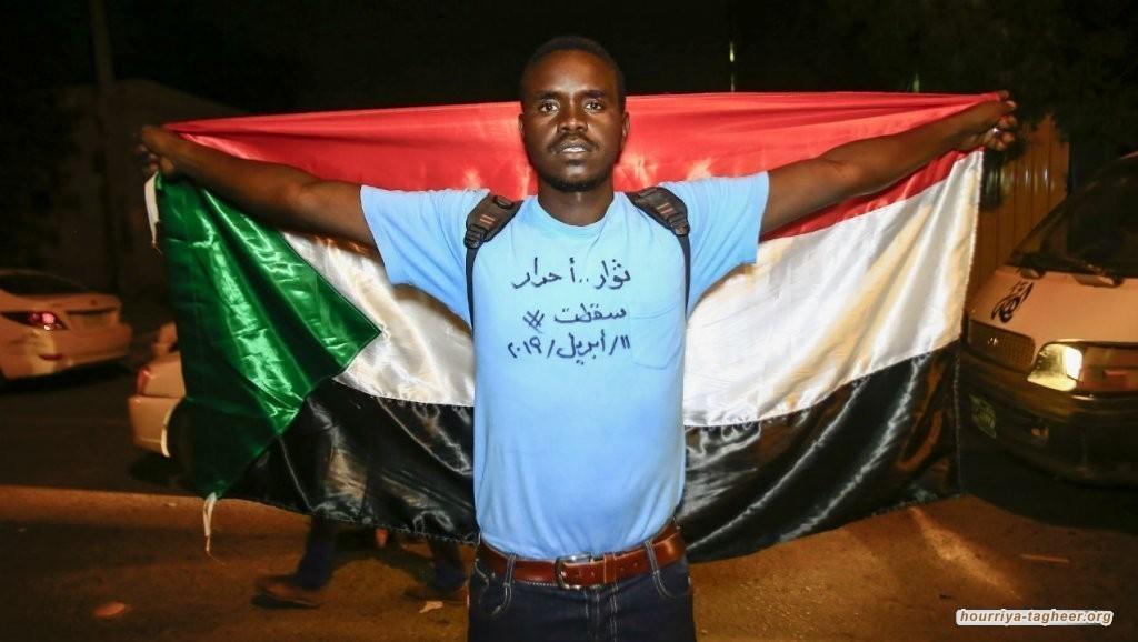 ما علاقة السعودية والإمارات بمحاولات فض الثورة في السودان؟