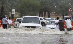 توقعات بالمزيد.. السيول تضرب مكة وجازان وتفضح فساد البنية التحتية لتصريف المياه.