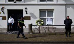العفو الدولية تخلد ذكرى وفاة الحامد أمام سفارة آل سعود في لاهاي