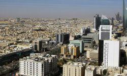 تمديد حظر التجول والطيران والتجمعات في مملكة آل سعود