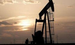 أسعار النفط تهوي 8% مع تجدد مخاوف الطلب بسبب كورونا