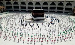 لجنة سعودية لاستئناف موسم العمرة