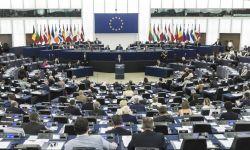 مشروع قرار أوروبي لوقف بيع السلاح للرياض وأبوظبي