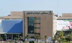 سيّدة من بدون الجزيرة العربية تلد أمام مشفى.. وغضب واسع
