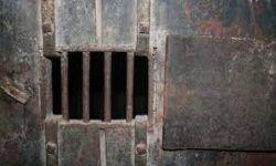 42 سجناً سرياً لتحالف العدوان في الجنوب اليمني.. جرائم متعددة وأشكال تعذيب متنوعة