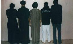 لصوص يسرقون وينهبون بزي الجيش السعودي في الرياض