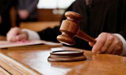 السعودية توقف قاضيي المعسل والحلاقة !