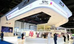 الاتصالات السعودية تجمع 966 مليون دولار من طرح عام أولي لشركة تابعة
