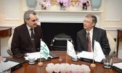 الوليد بن طلال وصفقة مفاجئة مع بيل غيتس.. هل يمر الأمير الخاضع لإقامة جبرية بأزمة؟!