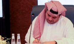 سعود القحطاني يُحقق معه في منزله ويعامل معاملة الملوك