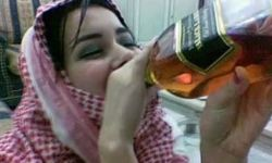 تقترب من تقديم الخمور.. السياحة بالسعودية تسير وفق رؤى بن سلمان