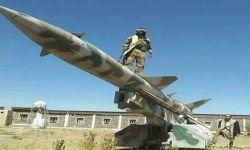 الحوثيون يقصفون منطقة عسير بثلاثة صواريخ باليستية