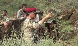 """وزير دفاع الحوثيين يتجول على حدود نجران بعد سيطرة قواته على """"20"""" موقعاً"""