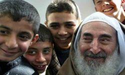 صحيفة مكة تصف الشيخ أحمد ياسين بالإرهابي