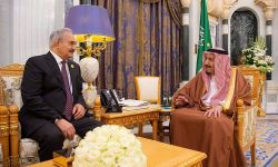 وصول أول شحنة أسلحة سعودية لحفتر عبر الحدود المصرية