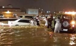 مدن سعودية بينها الرياض تغرق.. ووفاة 18