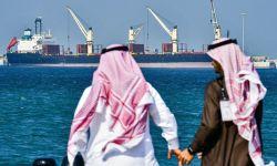 المملكة خسرت 12 مليار دولار في شهر بسبب حرب النفط