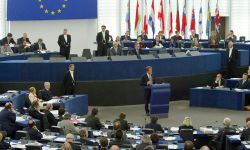 أكبر كتلة بالبرلمان الأوروبي تطالب بكشف مصير الأمير محمد بن نايف