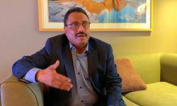 وزير يمني مستقيل يهاجم دور الإمارات وآل سعود.. ماذا قال؟