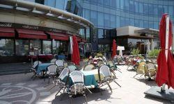تسونامي كورونا يغلق المراكز التجارية والمقاهي والمطاعم في جدة والرياض